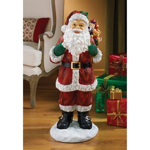 A Visit from Santa Claus Statues