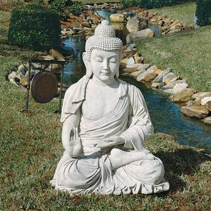 Noble Buddha of the Grande Temple: Sandstone, Giant