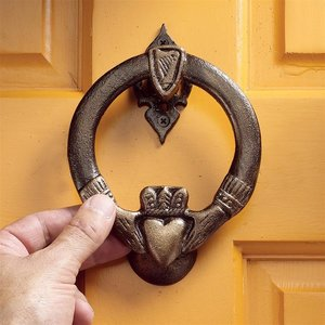 Claddagh Authentic Foundry Iron Doorknocker