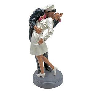 Inspired by the Moment WWII Lovers Statues