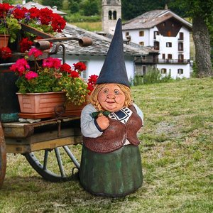 Mother Dagmar, Matriarch of the Gnome Clan