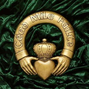 One Hundred Thousand Welcomes Claddagh Sculptural Plaque