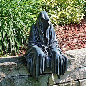 Reaping Solace the Creeper Sitting Statue: Large