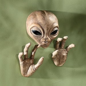 Roswell The Alien Plaque