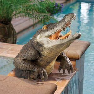 Snapping Swamp Gator Statue